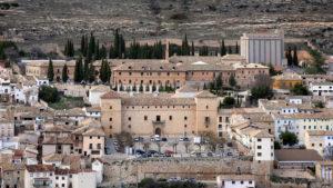 Vista panorámica de la Plaza de la Hora de Pastrana (España)